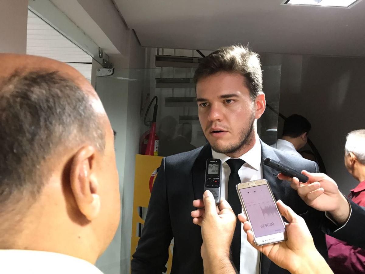 """Bruno Cunha Lima diz que governo tem medo de CPI: """"Tenta embargar todas"""""""