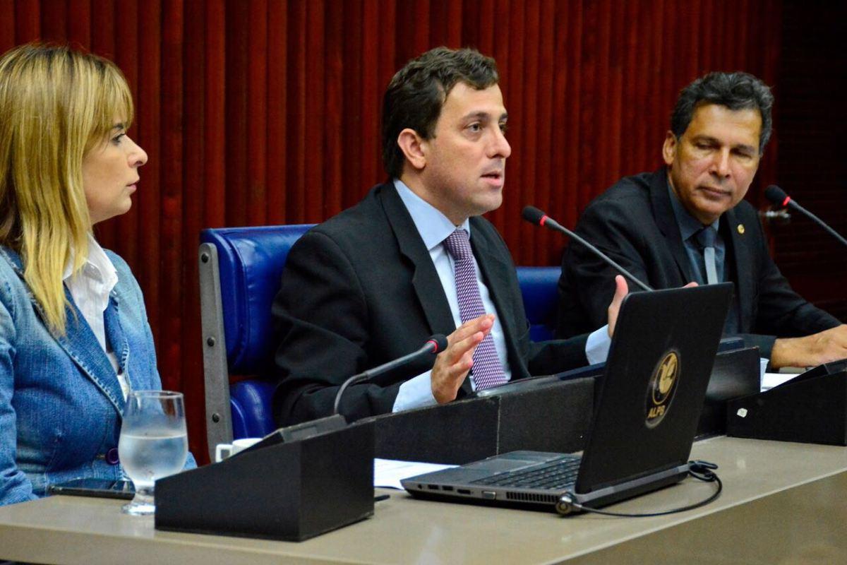 Gervásio antecipa pagamento e confirma reformas na Assembleia Legislativa