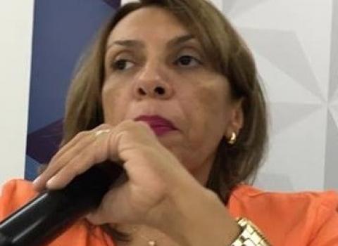 UFPB: Cida é hostilizada por estudantes contrários à terceirização da educação