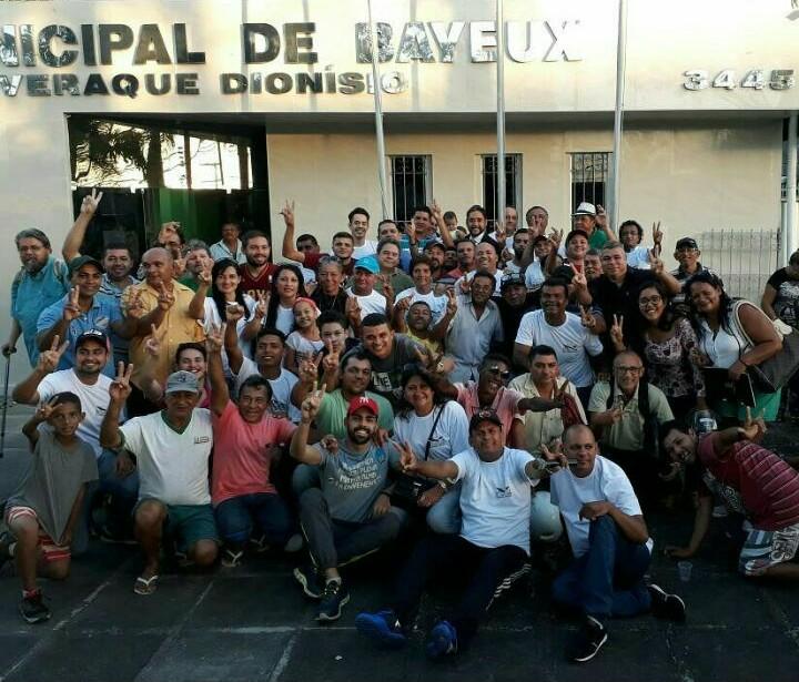 Inusitado: Grupo de WhatsApp cancela audiência com prefeito interino de Bayeux