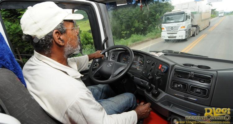Transporte Rodoviario / Livro Jorge Um Brasileiro, que trata da vida dos caminhoneiros pelas estradas