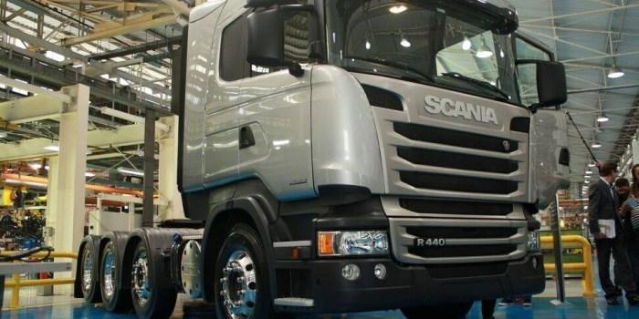 Scania R 440 8x2 de fabrica (2)