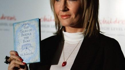 JK Rowling y Beedle el Bardo