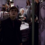 Harry-Potter-and-The-Deathly-Hallows-Cap--00231
