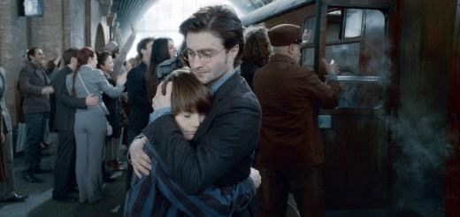 Harry Potter abrazando a Albus Severus