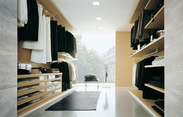 Closets tão grandes que poderíamos viver dentro deles