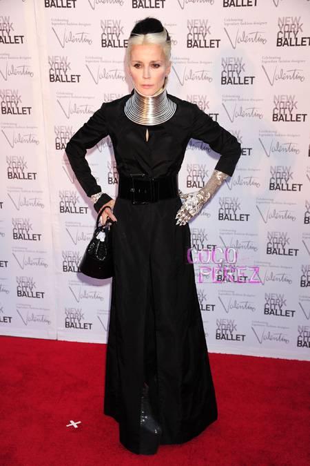 daphne-guinness-new-york-city-ballet-fall-gala-2012__oPt