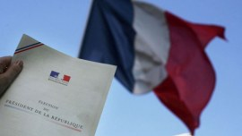 A document entitled 'Election du President de la Republique' with a French flag in the background.