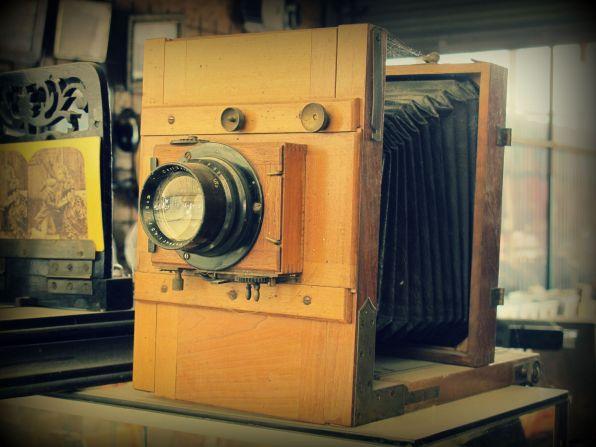 Appareil photo 19eme siècle, avec chambre noire Puces, Chinerie, Brocante, Vide grenier, Lyon, Vintage,