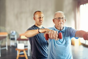 A atividade física pode desacelerar o avanço do Parkinson, aponta estudo