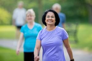Caminhada de 10 minutos por dia poderia combater os efeitos do sedentarismo