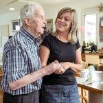 Esposas e hijas tienen la carga más pesada en el cuidado de pacientes con Alzheimer