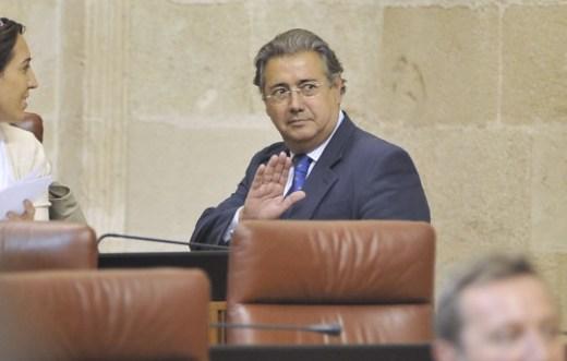 Zoido debate sobre la Davis en el pleno del parlamento.