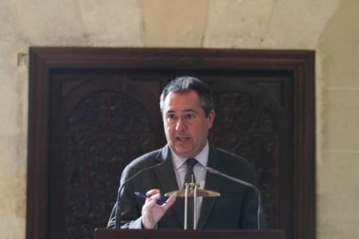 Ayuntamiento de Sevilla. El alcalde Juan Espadas, presenta las l