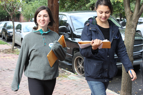 Sophomores Christine Farzan and Lauren Hoffman campaign in Kentucky with the GW College Democrats last weekend. Hatchet File Photo by Victoria Sheridan | Hatchet Photographer