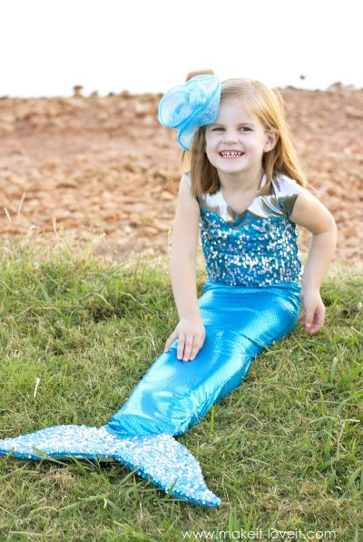 diy-mermaid-costume-with-a-repositionable-fin-2