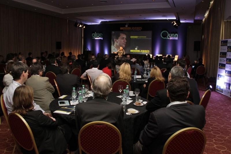 Alexis Padovani en plena conferencia