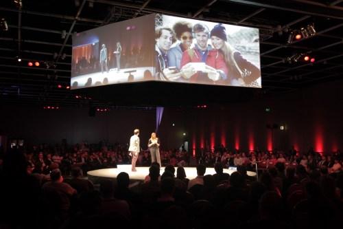 @zanoni junto a Silvia Tenazinha, CEO de Oracle, le dieron la bienvenida a los asistentes