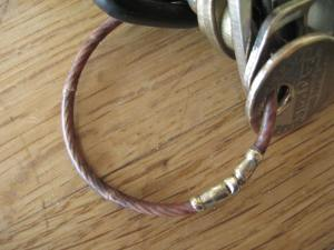 Aircraft cable twist lock keyring 1976