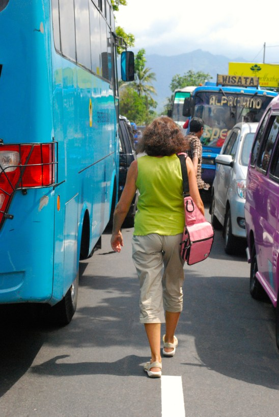 Giving up and walking in Eid al-Fitr traffic in Indonesia
