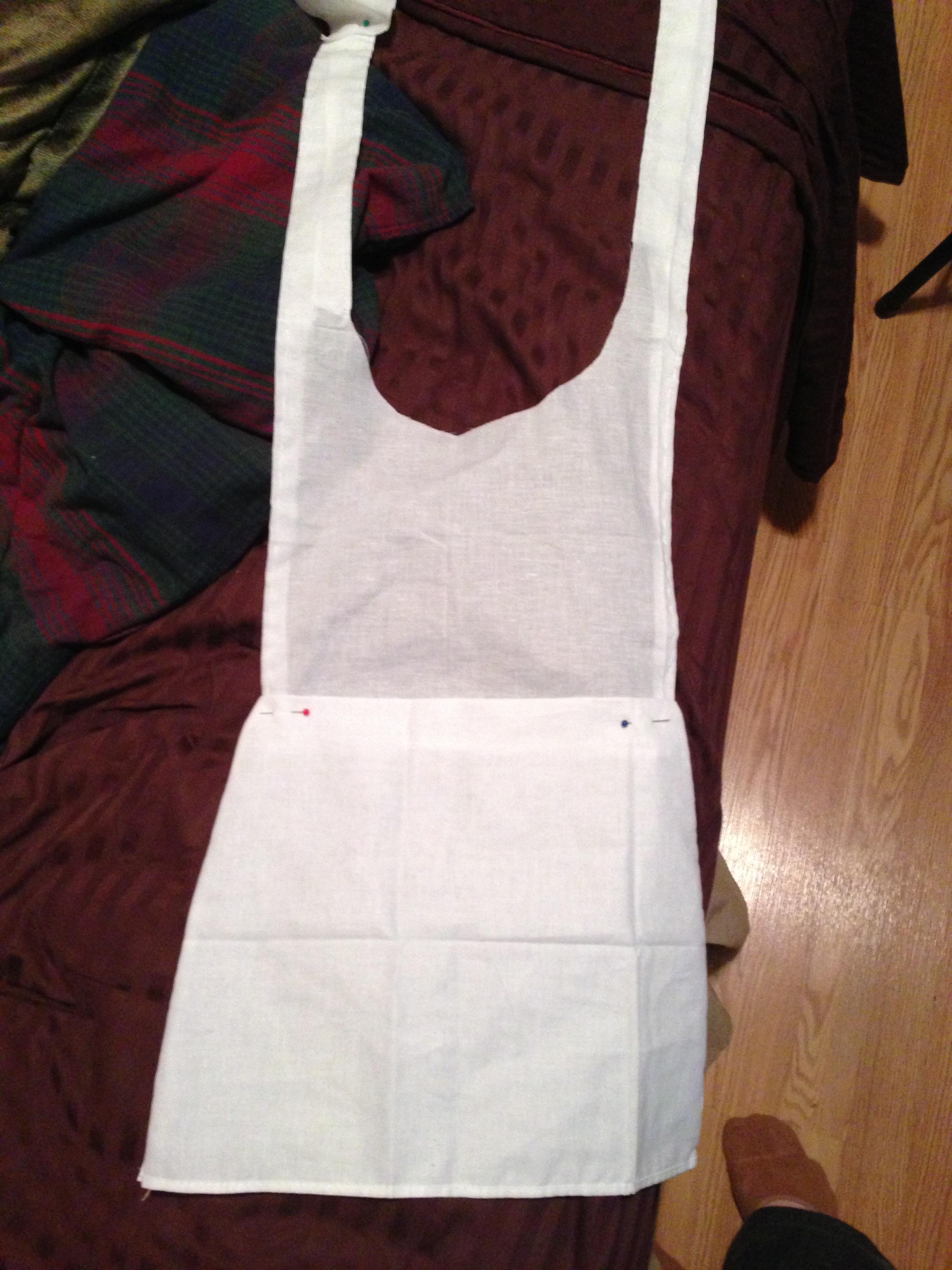 White apron like alice - I