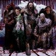 Voici les photos que Lordi nous offre sur leur page Facebook. Sur celles ci vous pouvez admirer leurs nouveaux costumes de scène !