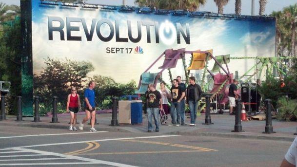 Revolution-Comic-Con-Set-Up-Hilton-Bayfront-003