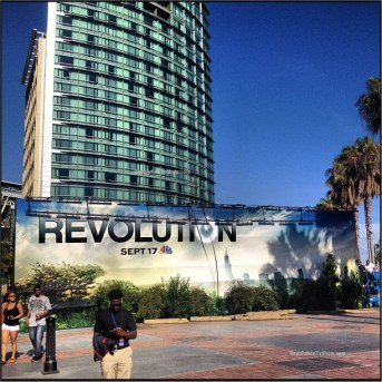 Revolution-Comic-Con-Set-Up-Hilton-Bayfront-004