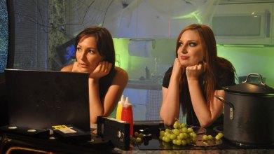 4-Midnight-Hour-KSMH_ChristinaSmith-BreeEssrig_Watching-TV