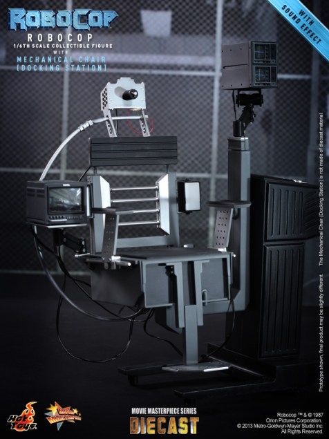 Hot Toys - RoboCop - RoboCop with Mechanical Chair (Docking Station)_PR9