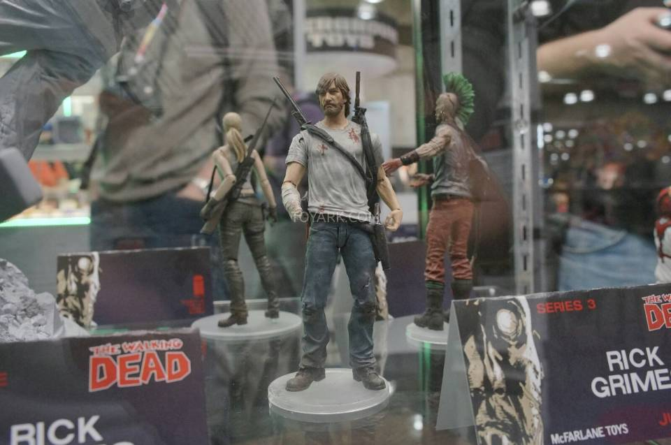 Toy-Fair-2014-McFarlane-Walking-Dead-011