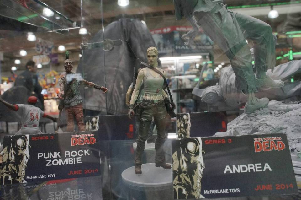 Toy-Fair-2014-McFarlane-Walking-Dead-019