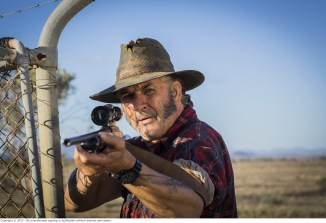 WolfCreek2_John Jarratt as Mick Taylor with gun 1