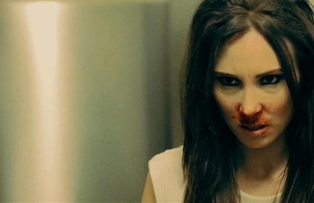 Goddess-of-Love-Venus-Alexis-Kendra-Bloody-Nose