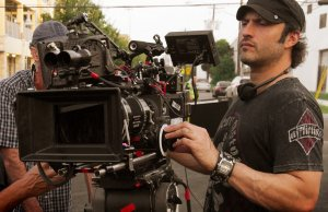 robert-rodriguez-on-set-1008820_196405323877472_347878817_o-1024x813