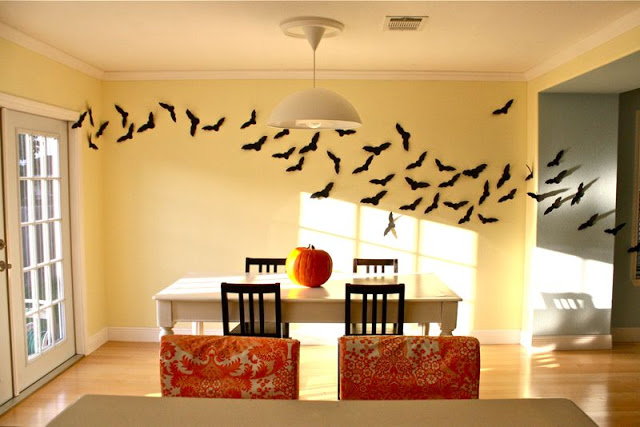 Love these bat wall decorations!