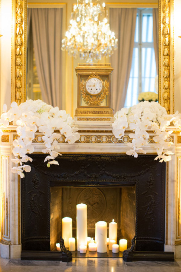Lovley gold mantle just perfect for a dinner party b
