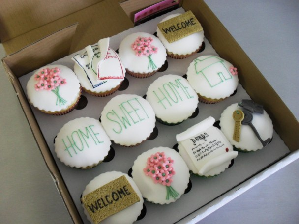 Lovely Home sweet home housewarming cupcakes!