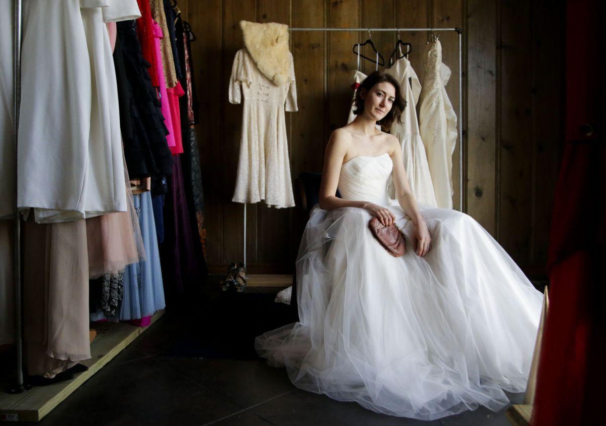 article abbb e b ade0 a wedding dress com wedding dress
