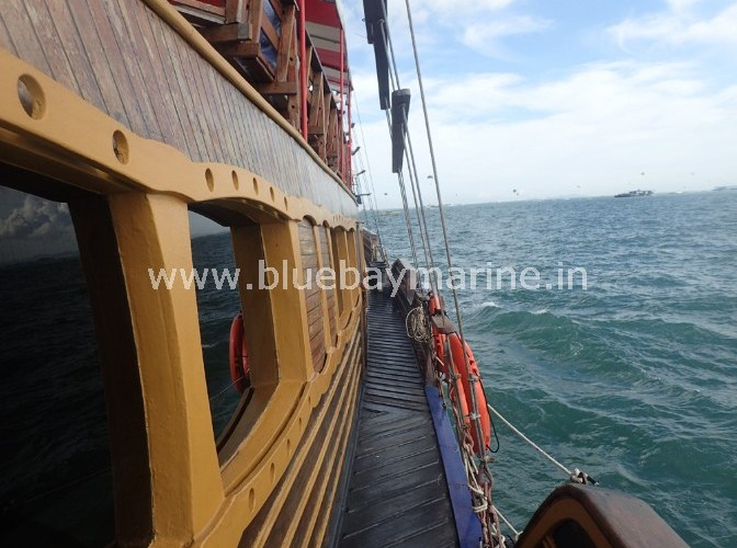 tai-pan-party-boat-pattaya-thailand-11