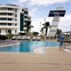 antalya yüzme havuzu konyaaltı sahilde oteller blue garden hotel (12)