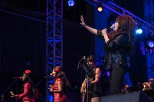 """Ronnie Spector at NPR's """"Turning The Tables"""" @ Damrosch Park 7/26/17. Photo by Vivian Wang (@Lithophyte) for www.BlurredCulture.com."""