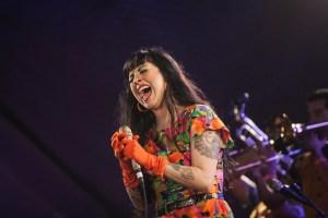 Mon Laferte at Santa Monica Pier's Twilight Concerts 8/10/17. Photo by Adriana Delgado (@a.lucreciad) for www.BlurredCulture.com.