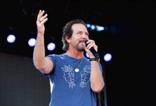 Eddie Vedder @ The Ohana Fest 2017. Photo by Derrick K. Lee, Esq. (@Methodman13) for www.BlurredCulture.com.