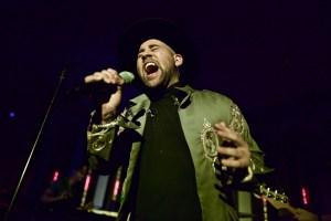 Parson James at The Peppermint Club 9/19/17. Photo by Derrick K. Lee, Esq. (@Methodman13) for www.BlurredCulture.com.