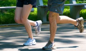 Jogging_couple_-_legs