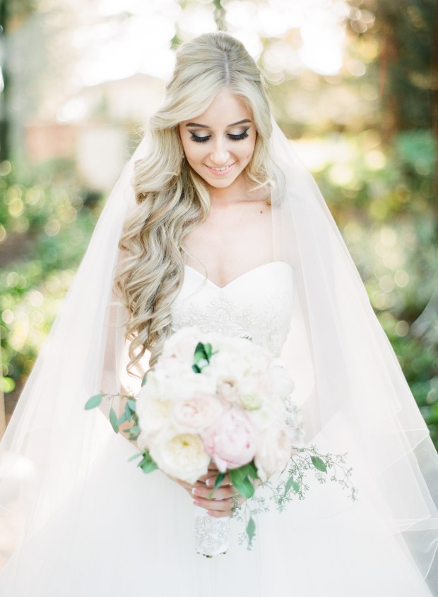 ambassador-mansion-and-gardens-pasadena-wedding-000087460013