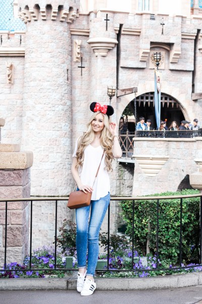 Disneyland Guide + Outfit