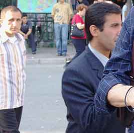 Istanbul pickpockets: I cut Bob out of the photo, as it was the two thieves behind him I really wanted.