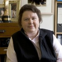Mary Raftery, Journalist, Dies